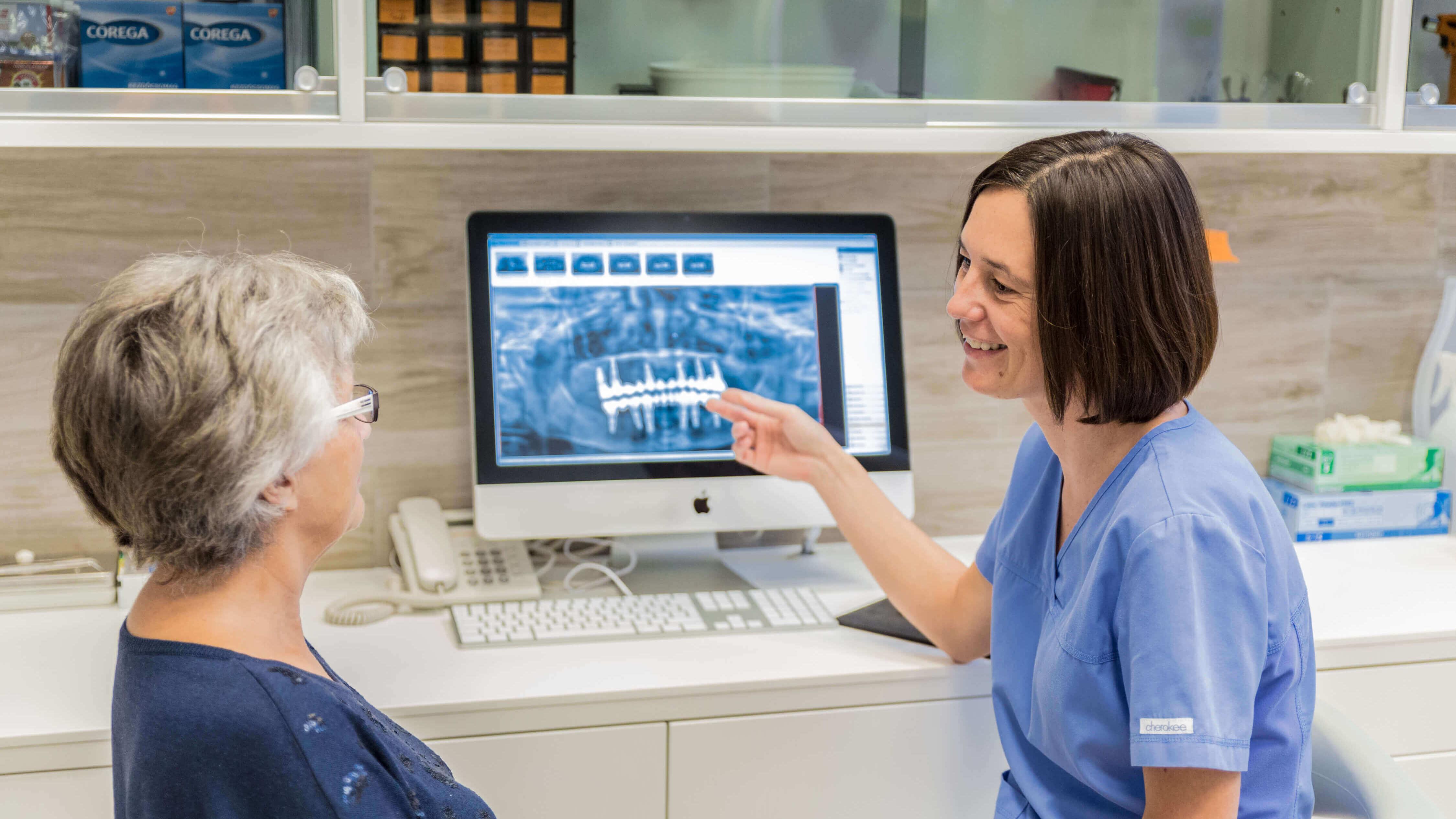 Fogbeültetés és fogászati implantok